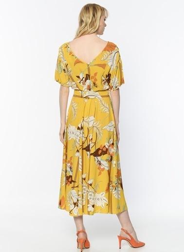 Random V Yaka Çiçekli Uzun Elbise Sarı